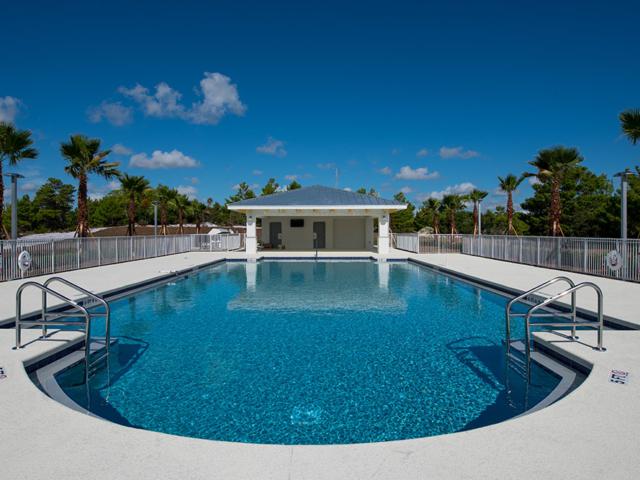 Jensen Dunes pool